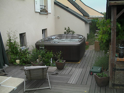 Installation spa J-480 Jacuzzi® Tours